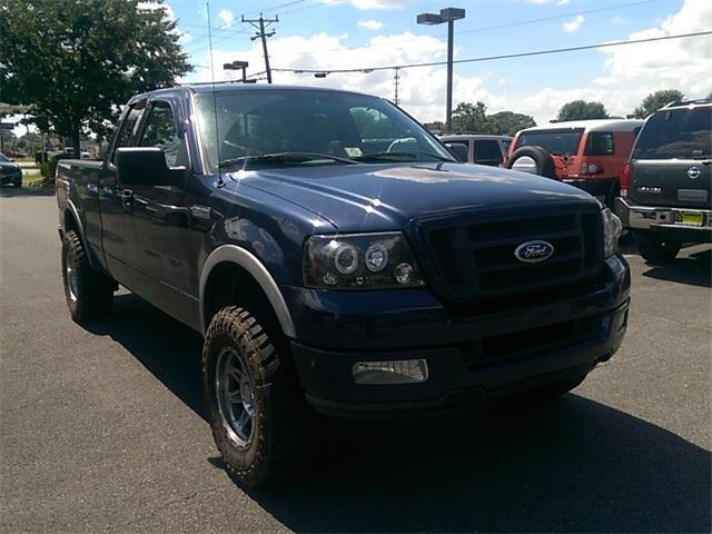 Photo Used 2004 Ford F150 FX4