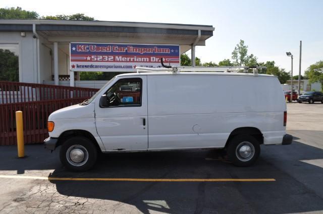Photo Used 2006 Ford E250 E-250