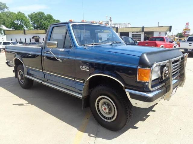 Photo Used 1989 Ford F250 XLT Lariat