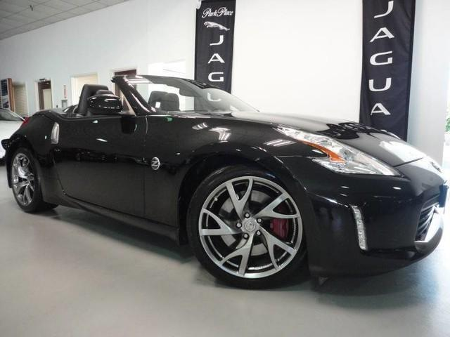 Photo Used 2013 Nissan 370Z Touring