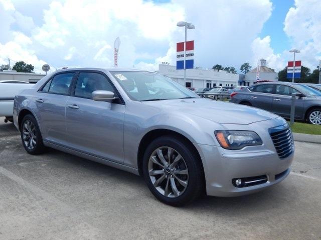 Photo Used 2014 Chrysler 300 S