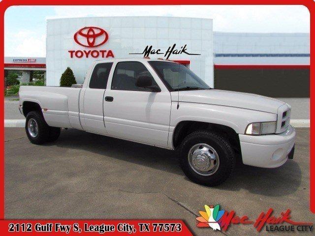 Photo Used 2001 Dodge Ram 3500 8 FT DRW