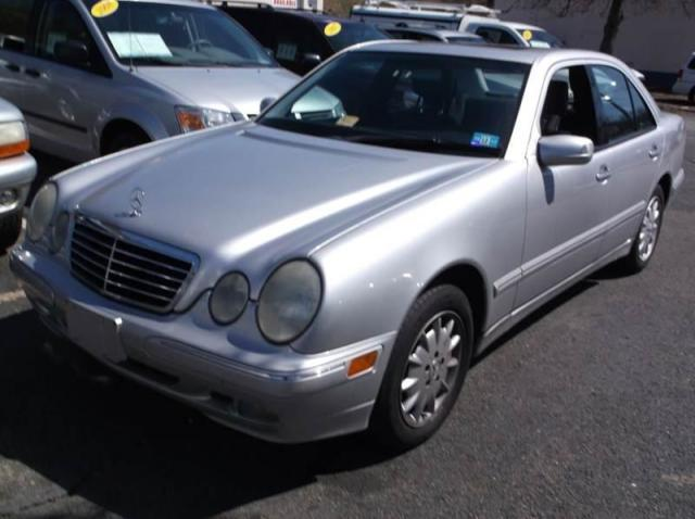 Photo Used 2002 Mercedes-Benz E320 4MATIC