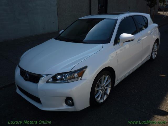 Photo Used 2012 Lexus CT 200h Premium