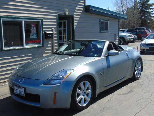 Photo Used 2004 Nissan 350Z Enthusiast