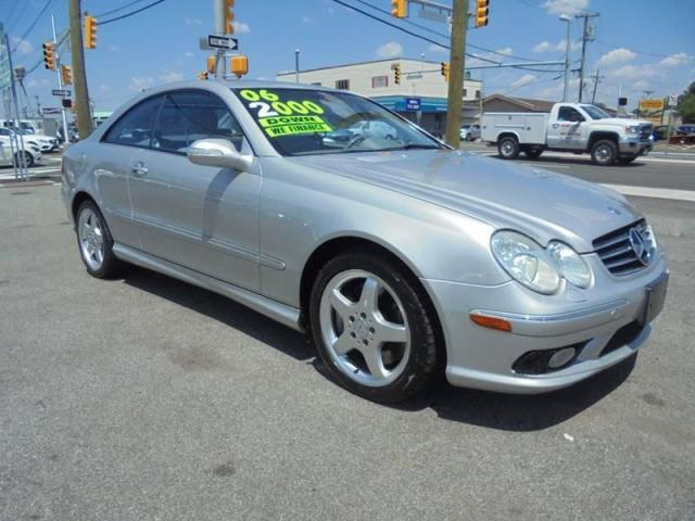 Photo Used 2004 Mercedes-Benz CLK500