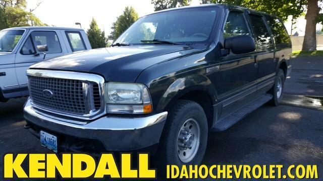 Photo Used 2002 Ford Excursion XLT
