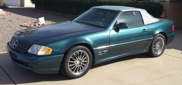 Photo Used 2000 Mercedes-Benz SL-Class SL500 Roadster