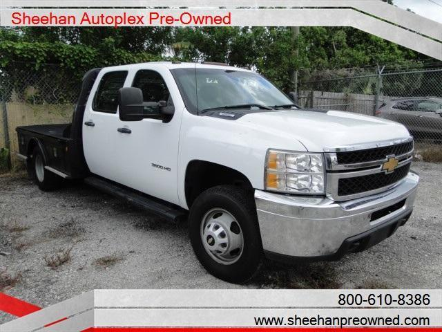 Photo Used 2012 Chevrolet Silverado 3500 WORK BED-CAN BE CERTIFIED
