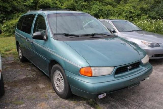 Photo Used 1998 Ford Windstar GL