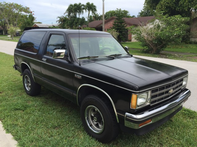 Photo Used 1988 Chevrolet S-10 Blazer