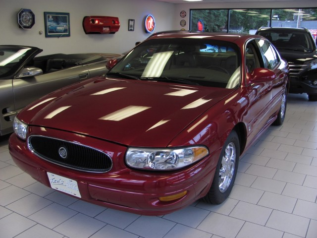 Photo Used 2004 Buick LeSabre Limited