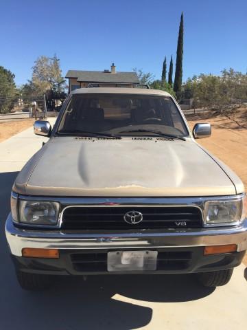Photo Used 1994 Toyota 4Runner SR5 V6
