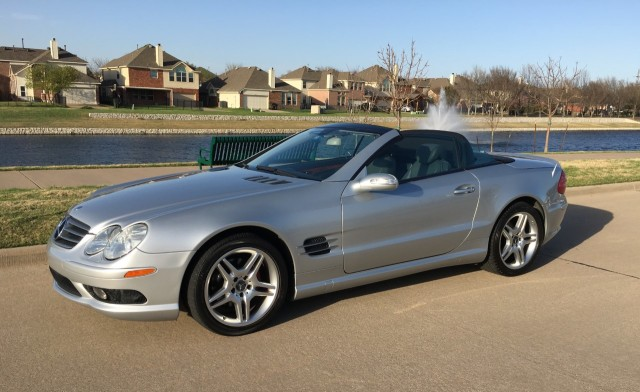Photo Used 2006 Mercedes-Benz SL-Class SL500 Roadster