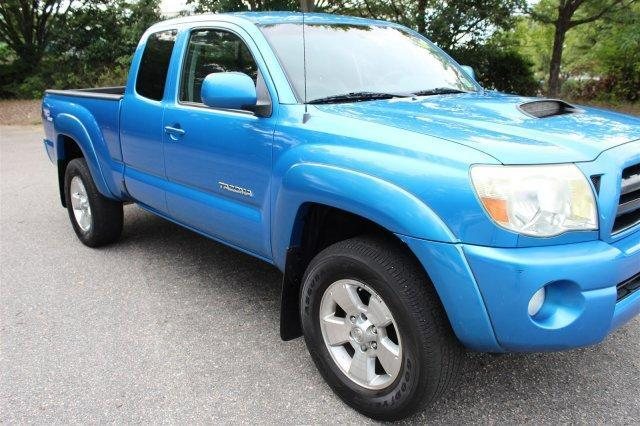 Photo Used 2006 Toyota Tacoma PreRunner Access Cab