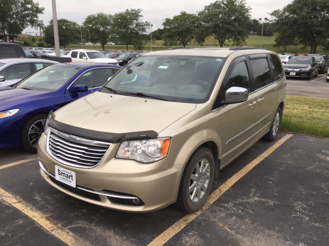 Photo 2011 Chrysler Town and Country Touring-L