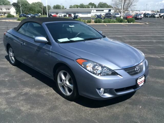 Photo Used 2006 Toyota Camry Solara SLE V6