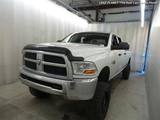 Photo Used 2011 Dodge Ram 3500 LIFTED LIFTED