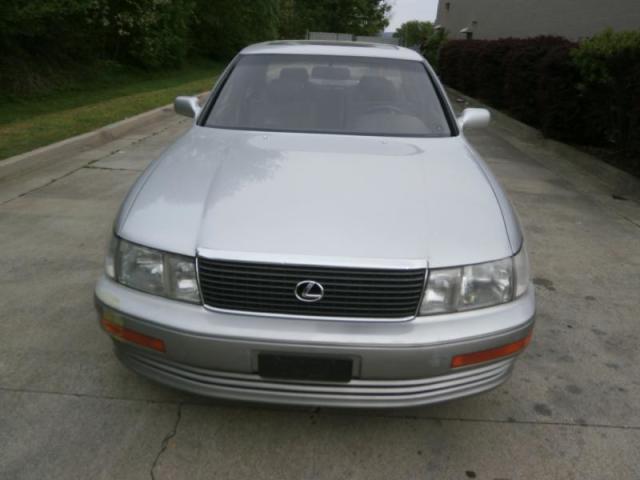 Photo Used 1993 Lexus LS 400