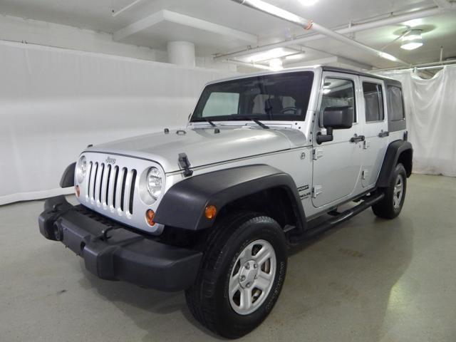 Photo Used 2011 Jeep Wrangler Unlimited Sport