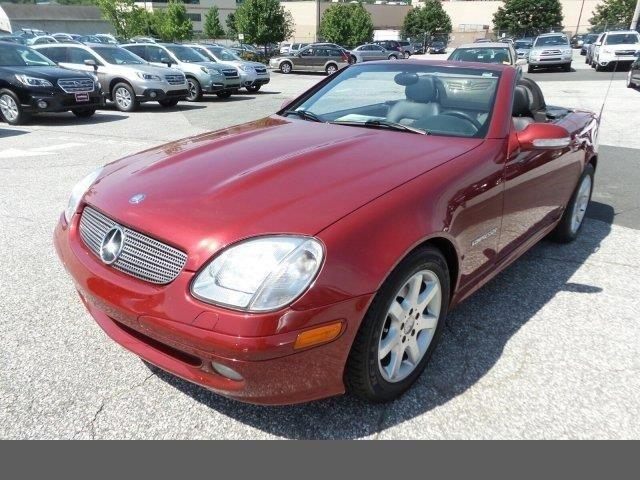Photo Used 2001 Mercedes-Benz SLK-Class Kompressor