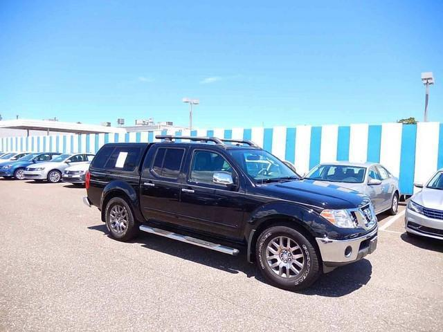 Photo Used 2010 Nissan Frontier LE