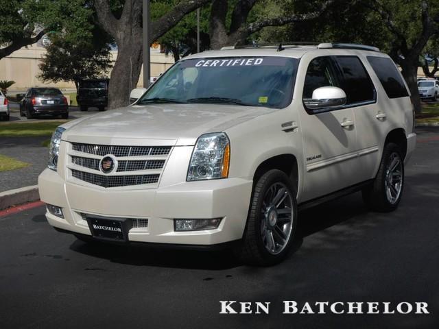 Photo Used 2013 Cadillac Escalade Premium