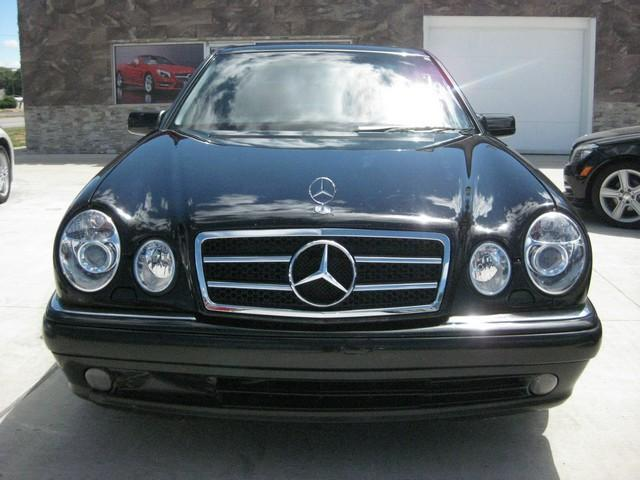 Photo Used 1999 Mercedes-Benz E430