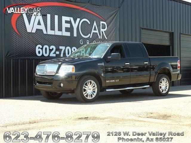 Photo Used 2007 Lincoln Mark LT