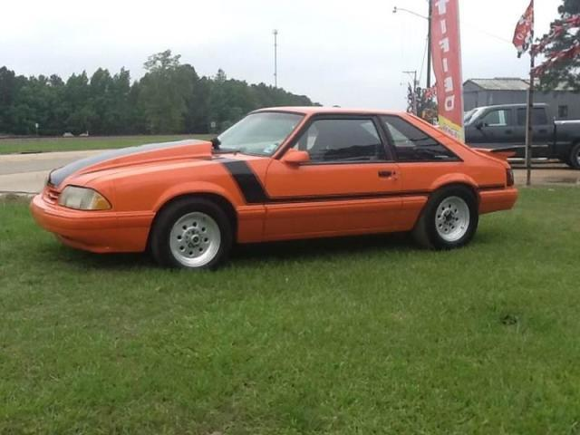Photo Used 1988 Ford Mustang LX