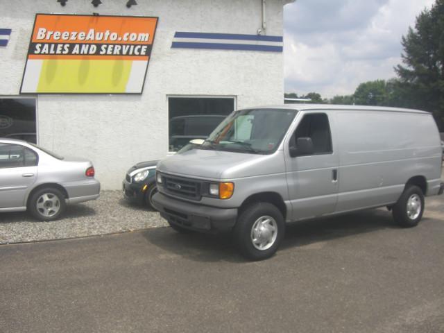 Photo Used 2007 Ford E250 E-250