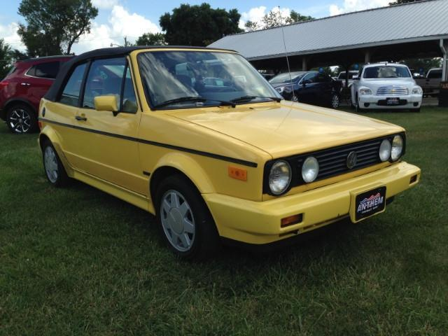 Photo Used 1990 Volkswagen Cabriolet