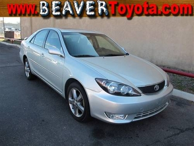 Photo 2006 Toyota Camry 4dr Car SE V6
