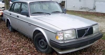 Photo 1989 Silver Volvo 240 DL Sedan 65000 miles MINT Interior heated seats
