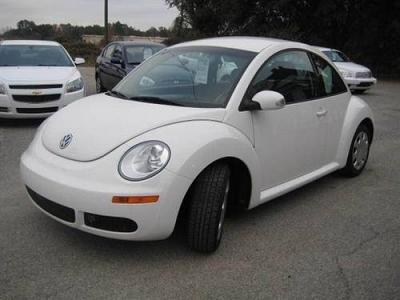 Photo 2010 Volkswagen New Beetle Red Rock Edition Hatchback 2D