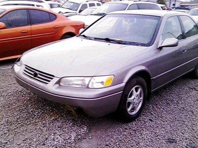 Photo 1997 TOYOTA CAMRY LE.......... NO TITLE ...........SALVAGE