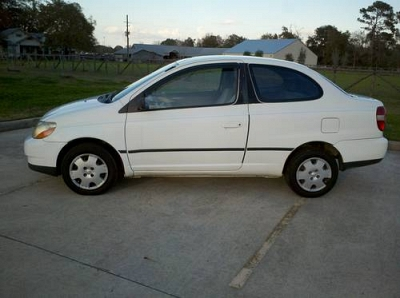 Photo Extra Clean 2000 Toyota Echo Coupe w Carfax and Warranty