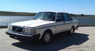 Photo Classic 1991 Volvo 240 - only 87k miles