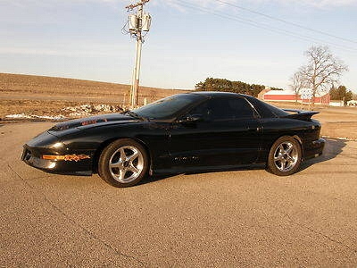 Photo 1996 Trans Am WS6 6 Speed 38,000 mileles nitrous lowered Fast