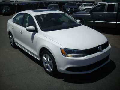 Photo 2012 Volkswagen Jetta TDI - Candy White 6 Speed Manual - 26995 3K M