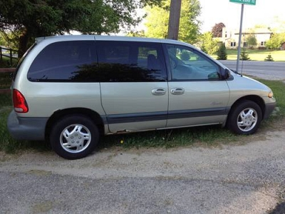 Photo 1999 PLYMOUTH VOYAGER VAN 176K MILES
