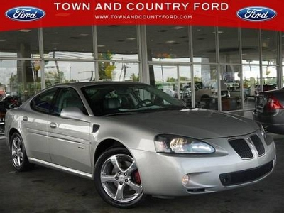 Photo 2007 Pontiac Grand Prix 4dr Car with Heated Leather Seats amp