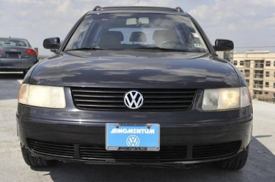Photo 1999 Volkswagen Passat Station Wagon GLS