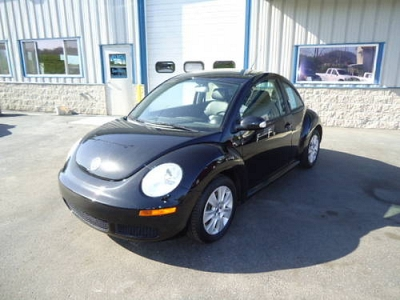Photo 2008 VW Beetle    86k Miles    Black with Automatic Trans