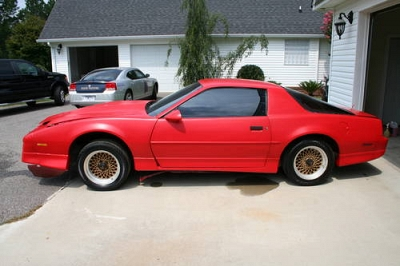 Photo 1987 Pontiac Trans Am GTA- Red- Auto