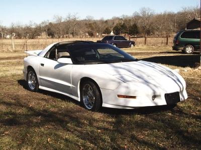 Photo 1995 pontiac trans am V8 -white gray interior- T-Tops -Auto- 140K Mi.