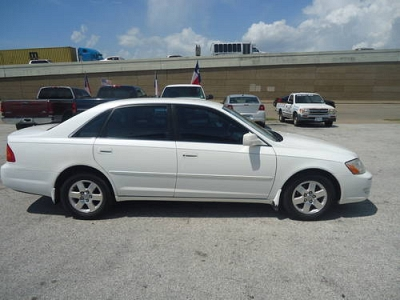 Photo 2002 Toyota Avalon XL White Automatic - Smooth Running