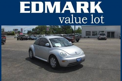 Photo 1999 Volkswagen Beetle 2D Hatchback GL
