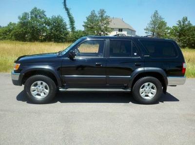 Photo 2001 Toyota 4Runner SR5 SUV in Black - CleanCarFaxWarranty
