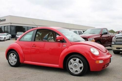 Photo 1999 Volkswagen New Beetle 2dr Car GLS